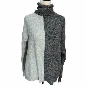 Ellen Tracy Grey Colour Block Super Soft Turtleneck Tunic Sweater Size Medium